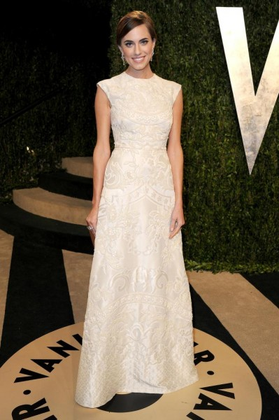 arrives at the 2013 Vanity Fair Oscar Party hosted by Graydon Carter at Sunset Tower on February 24, 2013 in West Hollywood, California.