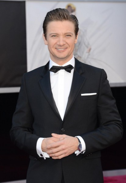 Jeremy-Renner-Van-Cleef-Arpels-Photo-by-Jason-Merritt-Getty-Images-16254611